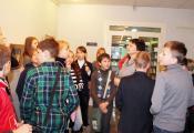 Экскурсию по библиотеке проводит сотрудник отдела детской литературы С. В. Ершова