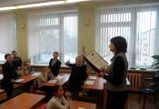 Библиотекарь Светлана Ершова провела обзор «Самые добрые книги», приуроченный ко Дню спонтанного проявления доброты