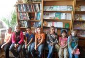Воспитанники школьного лагеря СШ № 33 в библиотеке